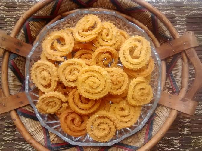 Mullu Murukku https://foodeezjunction.com/2016/03/01/mullu-murukku-recipe-south-indian/