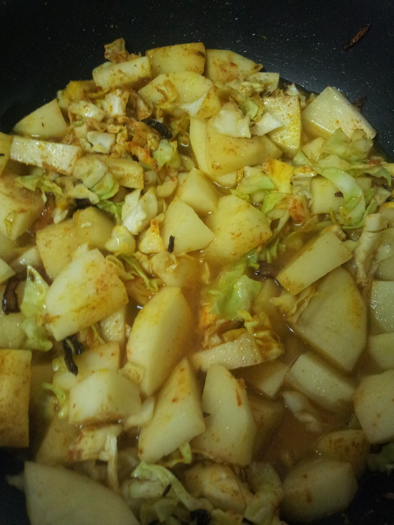 Aloo Cabbage Sabzi in Pan