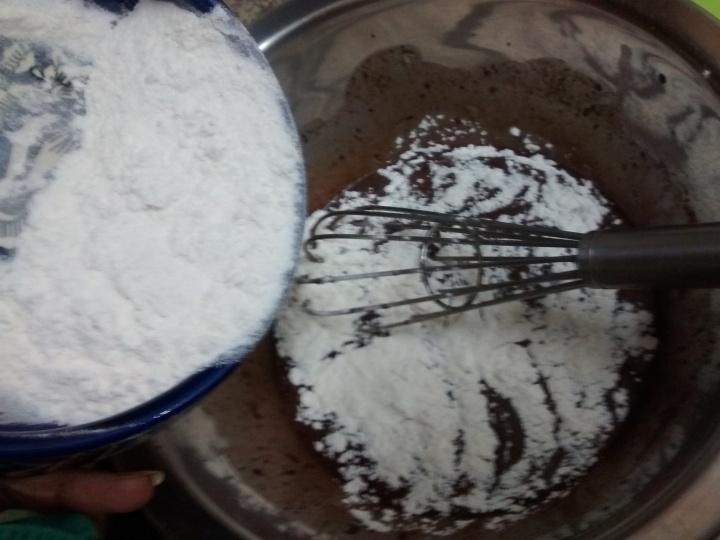 How to make Eggless Chocolate Cake