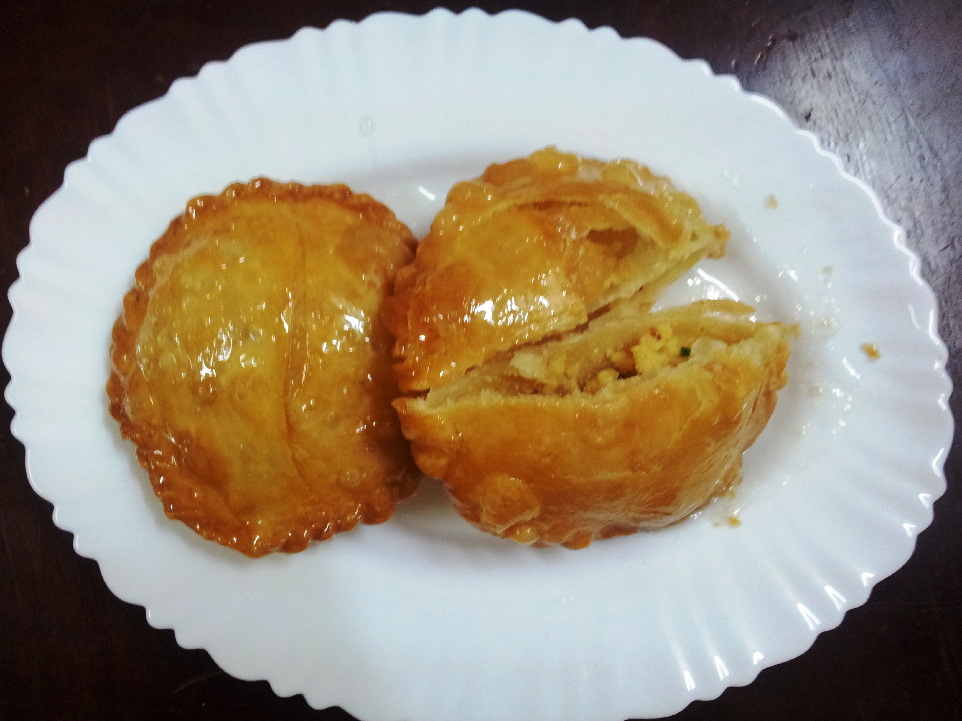Dessert recipe how to make chandrakala gujiya foodeez junction enjoy the festival of colours with this dessert chandrakala gujiya recipe happy holi tip seal the edges of all puris of chandrakala gujhya nicely forumfinder Choice Image