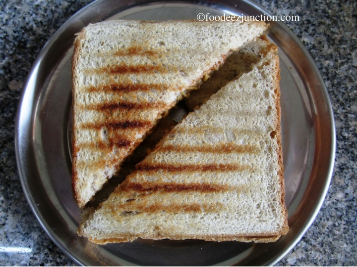 Aloo Bhujia Sandwich