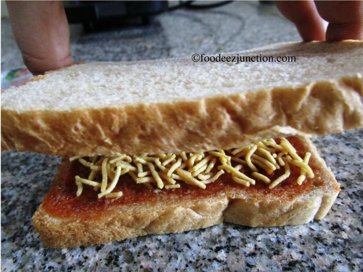 No Cook Aloo Bhujia Sandwich
