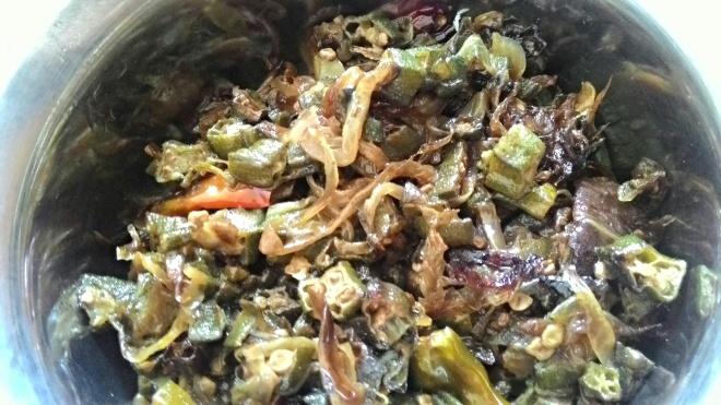 Bhindi ki Sabzi Recipe foodeezjunction.com