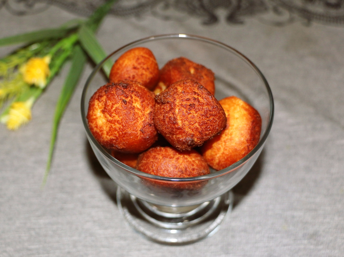 Gulab Jamun foodeezjunction.com